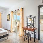 Ferienhaus-Zypern-ZYS3738-Schlafraum-mit-Doppelbett