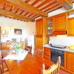 Ferienhaus Toskana TOH401 Küche mit Tisch