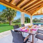 Ferienhaus-Mallorca-MA3612-Gartenmöbel-auf-der-Terrasse