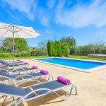 Ferienhaus-Mallorca-MA3612-Poolterrasse-mit-Liegen