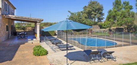 Mallorca Nordküste – Ferienhaus Manacor 4059 für 8 Personen mit eingezäuntem Pool, An- und Abreise flexibel – Mindestmietzeit 1 Woche.