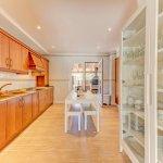 Ferienhaus Mallorca MA53711 Küche mit Geschirrschrank