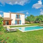 Ferienhaus Mallorca MA53711 Rasenfläche um den Pool