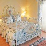 Ferienhaus Toskana TOH17001 Schlafraum mit Doppelbett