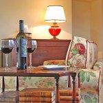 Ferienhaus Toskana TOH17001 Sofa mit Beistelltisch