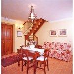 Ferienhaus Toskana TOH17001 Tisch und Couch