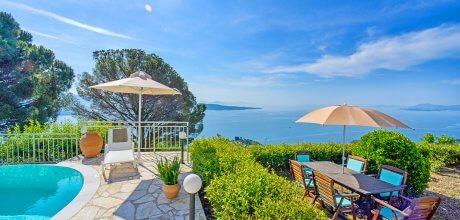 Villa Korfu Kouloura 3603 mit Pool und Meerblick für 6 Personen, Strand = 2,8 km. An- und Abreisetag Montag, Nebensaison flexibel auf Anfrage – Mindestmietzeit 1 Woche.