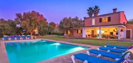 Mallorca Nordküste – Ferienhaus Pollensa 5050 mit Pool, Internet und Meerblick für 10 Personen mieten. An- und Abreisetag Samstag.