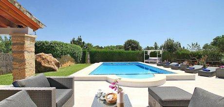 Luxus-Finca Pollensa 5372 mit Pool, Tischtennis, Billard und Klimaanlage, Strand 4km, vom 22.05. – 10.09.2021 ist der Wechseltag Samstag, Nebensaison flexibel.