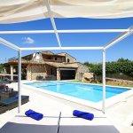 Luxus-Finca Pollensa MA5371 Sonnenbett am Pool