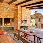 Ferienhaus Cala Sanau MA2210 Grillhaus mit Tisch