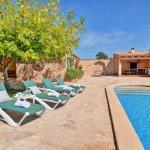 Ferienhaus Mallorca MA2310 Sonnenliegen am Swimmingpool