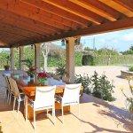 Ferienhaus Mallorca MA4170 Esstisch auf der Terrasse