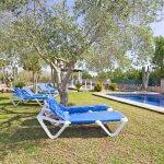 Ferienhaus Mallorca MA4170 Garten mit Sonnenliegen