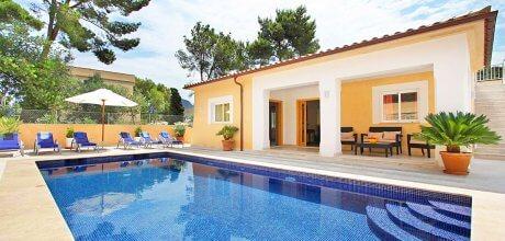 Mallorca Nordküste – Deluxe Villa San Vicente 4340 mit Pool am Meer (Strand 325m) mieten. Wechseltag vom 03.07. – 10.09.21 ist Samstag, Rest flexibel.