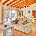 Ferienhaus Mallorca MA4807 Couch im Wohnraum