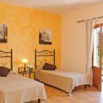 Ferienhaus Mallorca MA4807 Zweibettzimmer