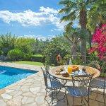 Ferienhaus Mallorca MA4808 Gartentisch am Pool