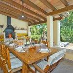 Ferienhaus Mallorca MA4808 Grillbereich mit Esstisch