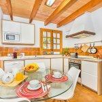 Finca Pollensa MA3505 Küche mit Tisch