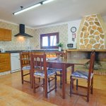Strandvilla Cala Sanau MA3879 Küche mit Esstisch