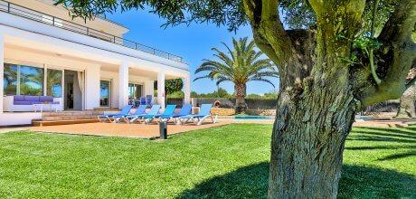 Mallorca Südostküste – Villa Cala d'Or 4655 mit Pool in Strandnähe (500m), Grundstück 1.050qm, Wohnfläche 260qm. Wechseltag Samstag. Mindestmietzeit 1 Woche.
