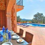 Villa Mallorca MA4680 Esstisch auf der Terrasse