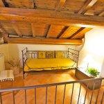 Ferienhaus Toskana TOH402 Bett auf der Galerie