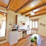 Ferienhaus Toskana TOH402 Küche mit Tisch
