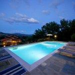 Ferienhaus Toskana TOH402 Liegen am beleuchteten Pool