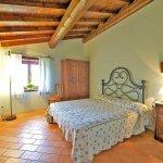 Ferienhaus Toskana TOH402 Schlafzimmer mit Doppelbett