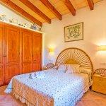 Ferienhaus Mallorca MA2171 Schlafzimmer mit Kleiderschrank