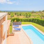 Ferienhaus Mallorca MA4770 Blick über den Pool auf das Meer