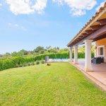 Ferienhaus Mallorca MA4770 Grundstück mit Rasen