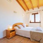Ferienhaus Mallorca MA4770 Schlafzimmer mit Doppelbett
