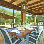 Finca Mallorca MA33777 Esstisch auf der Terrasse