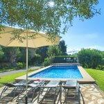 Finca Mallorca MA33777 Pool mit Liegen und Sonnenschirm