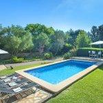 Finca Mallorca MA33777 Swimmingpool mit Sonnenliegen