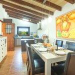 Finca Mallorca MA33777 offene Küche mit Esstsich