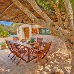 Ferienhaus Mallorca MA3966 überdachte Terrasse mit Esstisch
