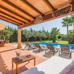 Finca Mallorca MA2044 Terrasse mit Blick auf den Pool