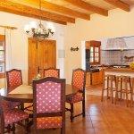 Finca Mallorca MA2044 offene Küche mit Esstisch