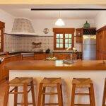 Finca Mallorca MA2044 offene Küche mit Theke