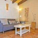 Ferienhaus Mallorca MA1100 Couch mit Tisch