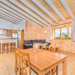 Ferienhaus Mallorca MA3034 offene Küche mit Esstisch
