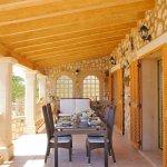 Ferienhaus Mallorca MA3890 überdachte Terrasse mit Esstisch