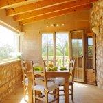 Ferienhaus Mallorca MA3890 Esstisch im Haus
