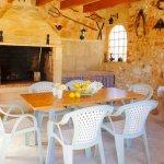 Ferienhaus Mallorca MA3890 Grillhaus mit Esstisch