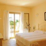Ferienhaus Mallorca MA3890 Schlafraum mit Doppelbett