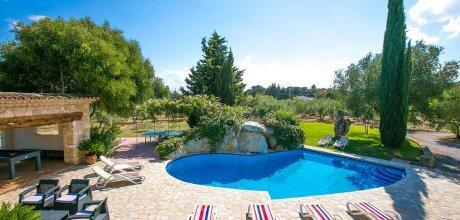 Mallorca Nordküste – Finca Pollensa 4313 mit großem Pool (13m x 6m) und Internet für 8 Personen. 03.07. – 27.08.21: Wechseltag Samstag, Nebensaison flexibel – Mindestmietzeit 1 Woche.